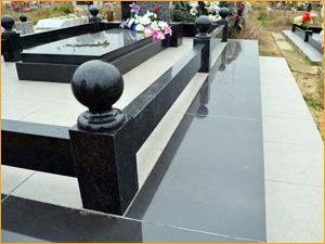 Шар из гранита для могилы на кладбище