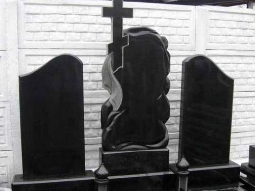 Готовые фигурные памятники из гранита