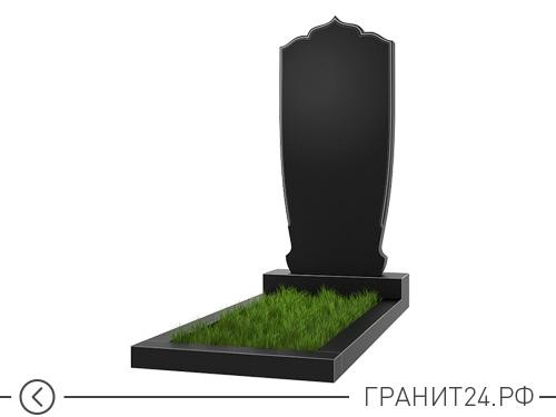 Заостренный памятник их гранита