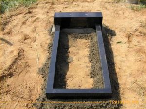 Установка памятника без бетонной подушки на могиле