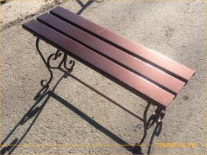 Сварная скамейка цвета медный антик для установки на могилу